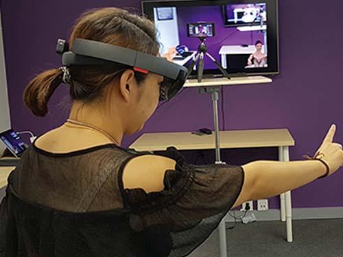 Blick durch die Zukunftsbrille: Lernen mit der Hololens